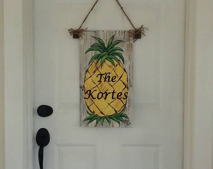 Pineapple Door Hanger/Garden Flag with Name