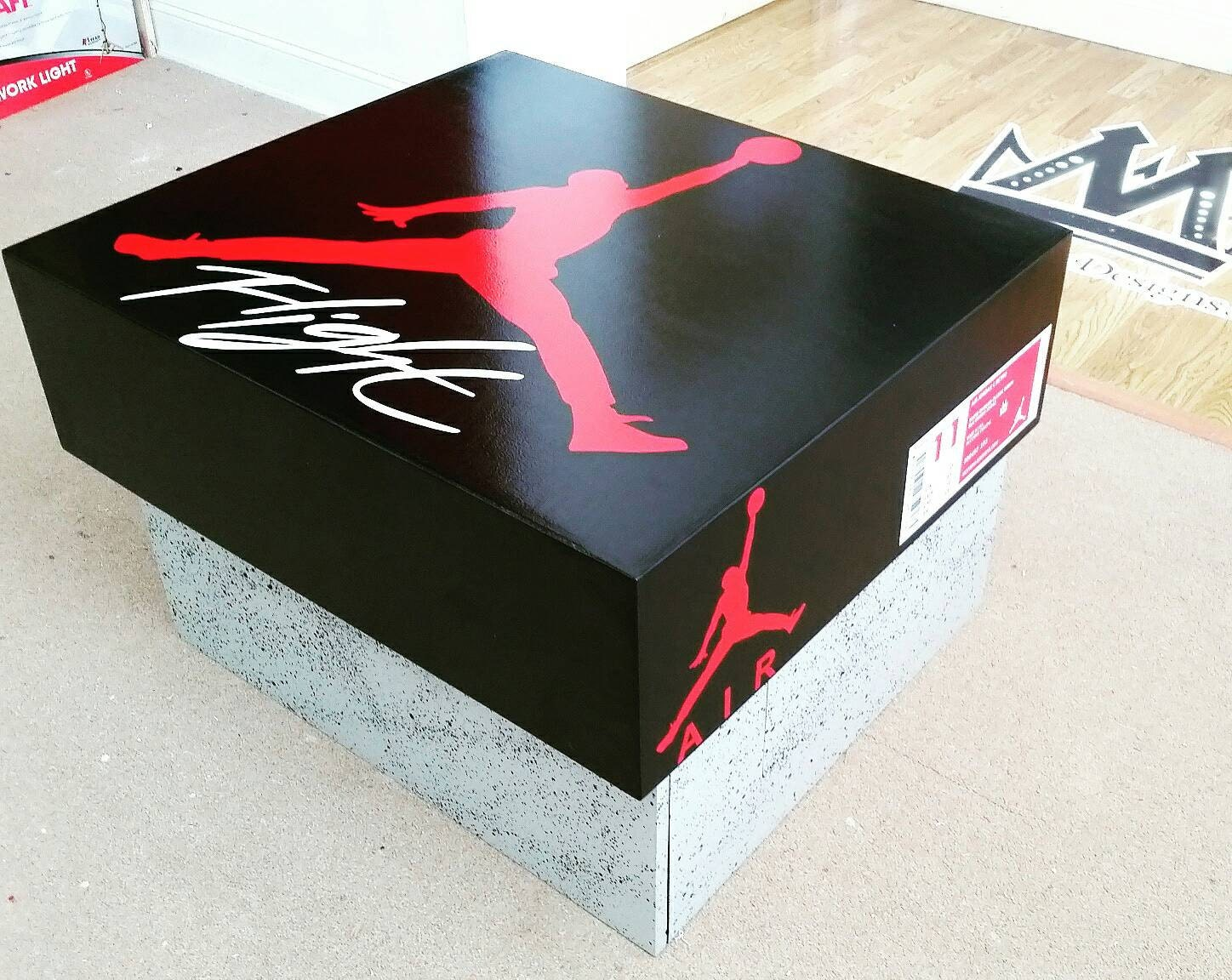 pretty nice 2adc8 e1759 Air Jordan retro 4 Lifesize Shoebox   Etsy