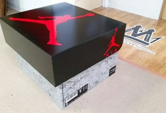 Giant Shoe Box Air Jordan, Or Nike Shoebox !