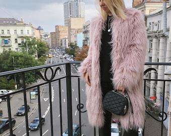 879a26736e86 Faux fur coat   powder pink alpaca coat   rose quartz coat   shaggy fur  coat   Fake fur coat  Blush pink coat  Fluffy coat  burning man coat