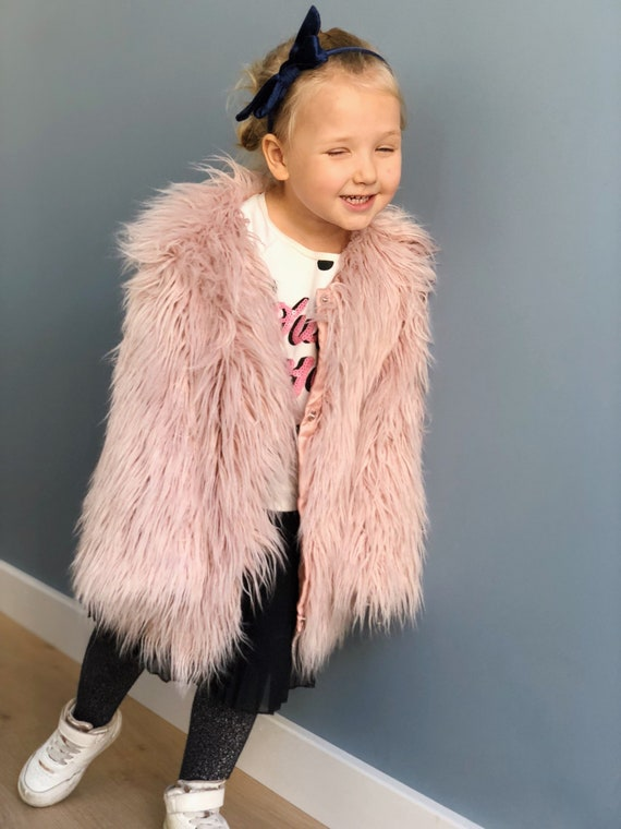 f6150ee6b9494 Kids faux fur coat  Toddler eco fur coat  Pink shaggy coat