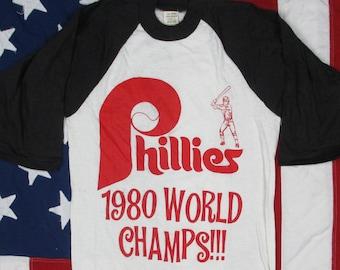 Vintage 1980's Philadelphia Phillies World Series Champs Raglan Baseball T-Shirt XS/Small MLB 1980 Pennsylvania Soft Thin Ringer