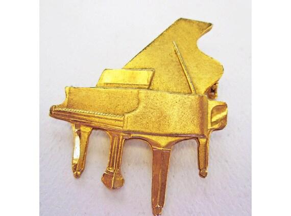 Vintage Piano Brooch, Golden Toned Metal Piano, Gr