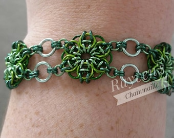 Green Celtic Flower Chainmaille Bracelet Chain mail with flower toggle