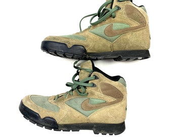 Vtg 90s Nike Retro Hiking Outdoor Nature Boots Women s 7.5 f5ca578be