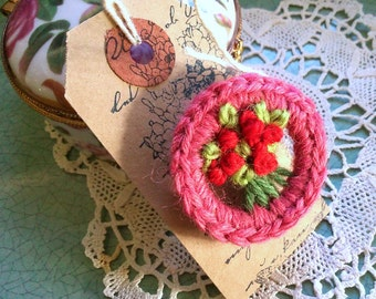 ROSY POSY BROOCH - Hand-made retro style brooch using recycled materials based on a vintage design - dusky pink & red - Free Uk postage