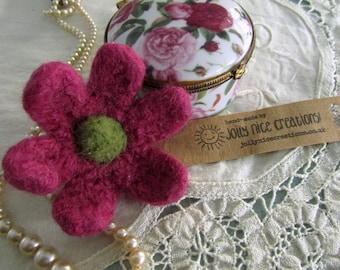 FELT FLOWER BROOCH (Medium) - Hand-knitted & felted corsage with needle felted centre - Heather Pink/Moss Green -Free Uk postage