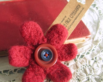 FELT FLOWER BROOCH (Medium) - Hand-knitted & felted corsage with button centre - Rust Red/Blue -Free Uk postage