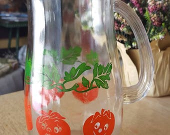 Smiling tomato pitcher perfect for bloody marys!