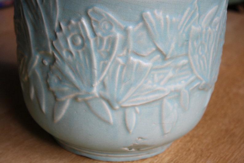 Gorgeous McCoy butterfly pattern jardiniere pastel glaze Nelson McCoy