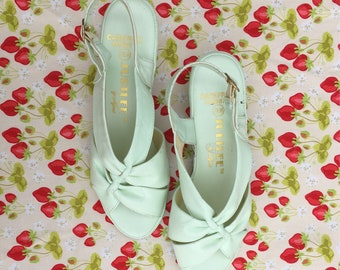 Vintage Mint Green Slingback Heels/ Women's Size 7.5/ Vintage shoes/ FREE SHIPPING