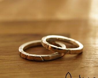 Wedding rings - Friendship rings - engraved stripes - square