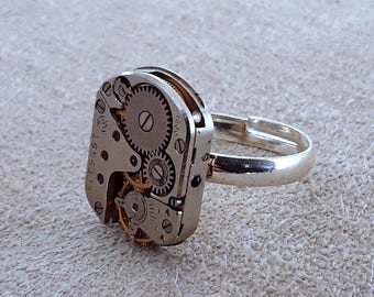 Adjustable Steampunk Ring / Timepiece Mechanism Ring / Vintage watch Movement / Hand Crafted in UK / Gifts for Men and Women / Bespoke Ring