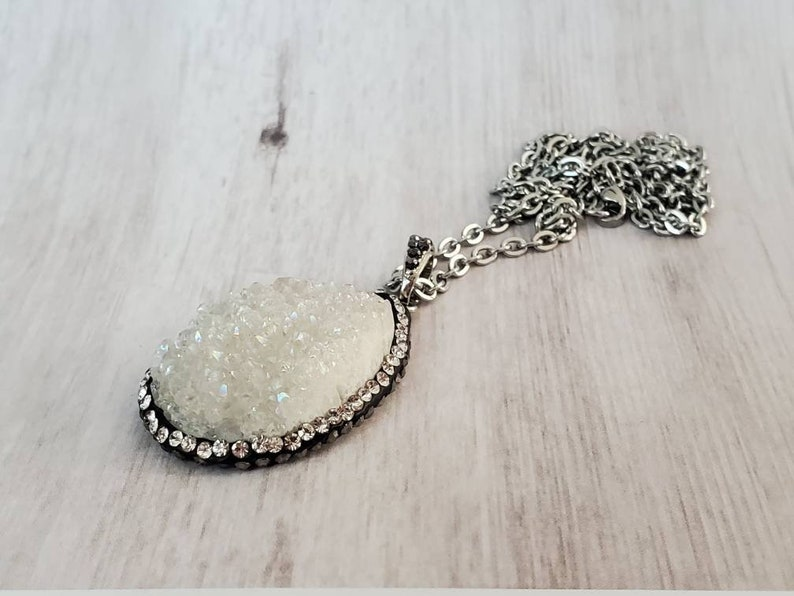 White sparkley stone Pendant Necklace  20 316L Stainless Steel Chain rock crystal glitter Nickle Free hypoallergenic free shipping