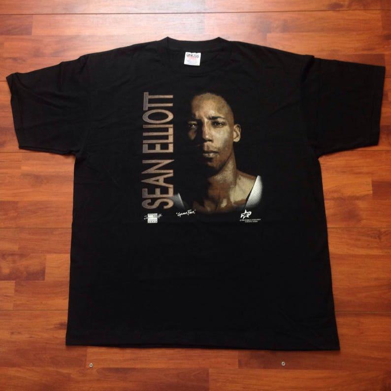 90 s Sean Elliot NBA T-shirt X-Large Made in USA  44b8fb19d