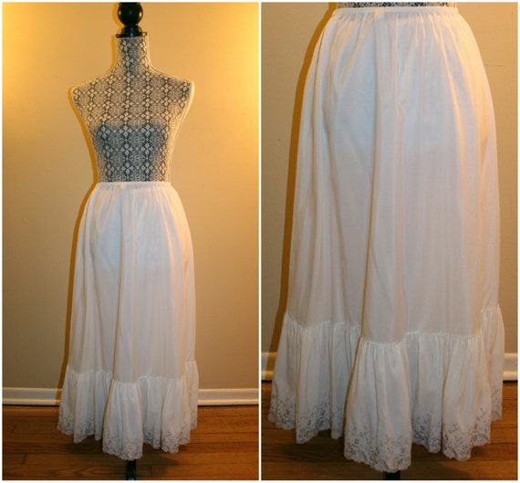 1950's Saks Fifth Avenue White and Tea Embroidered
