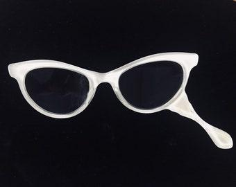 f3b69c8943 Vintage ladies cateye lorgnette glasses