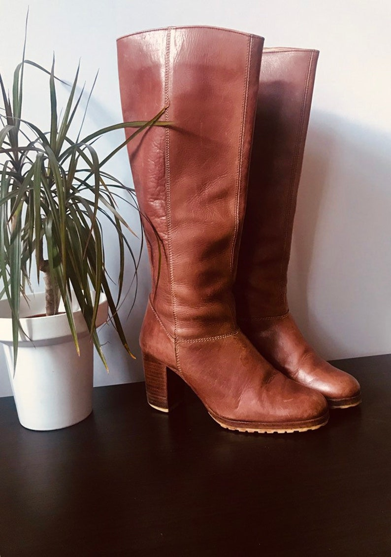 bc7f4e09f60 Vintage 1970s brown leather womens boots rustic boho boho   Etsy