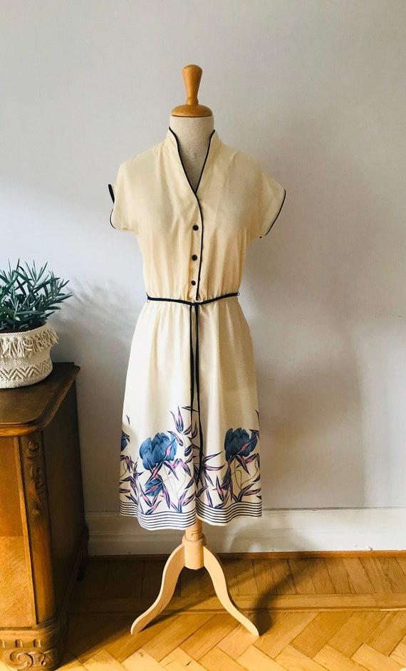 Ladies vintage dress 1970s 1980s, floral print, sm