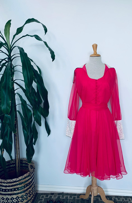 Vintage Scarf Styles -1920s to 1960s Vintage 1950S Pink Rhinestone Lace Rockabilly Dress $0.00 AT vintagedancer.com