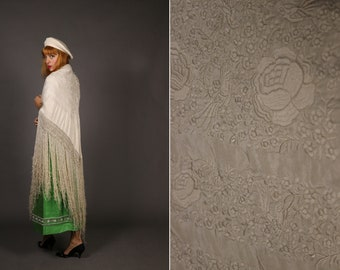 ANTIQUE 1900s-1920s Richly Embroidered Silk Piano Shawl - Antique Cream Large Silk and Macrame Spanish Shawl