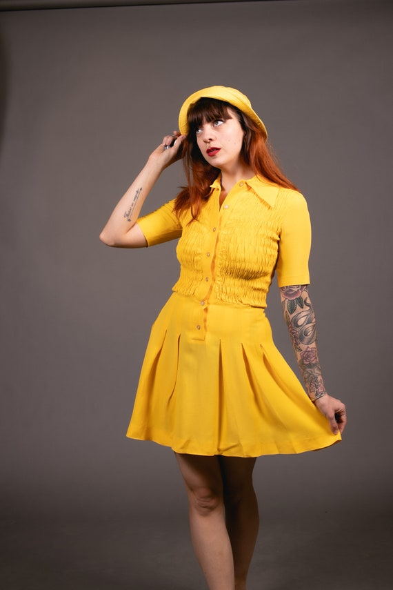 1970's Mini Yellow Crepe Dagger Collar Dress - 70… - image 9