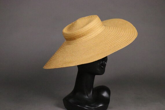 1930's-1940's Flat Romantic Straw Hat