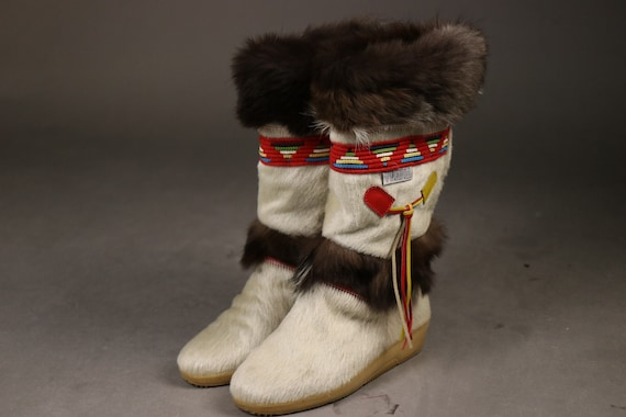 Late 1970's Early 1980's White Leather Winter Indi