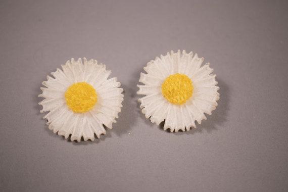 1950's / 1960's Daisy Clip on Earrings