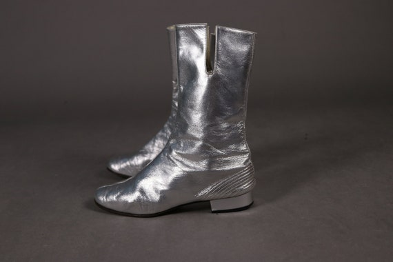 RARE 1960's Silver Leather Gogo Boots - Size 37