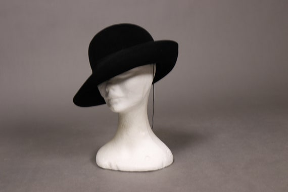 1920's Black Felt Cloche Hat
