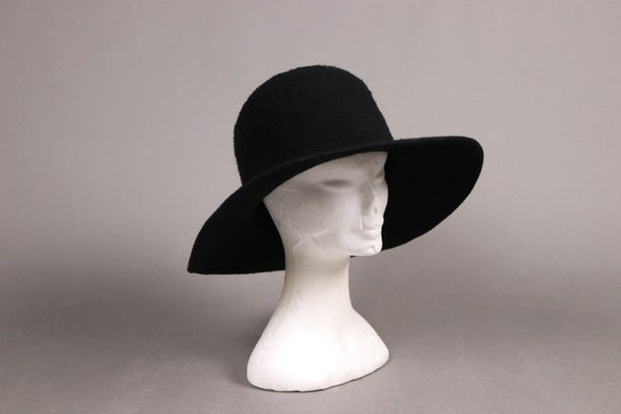 Mesurer 1930s-1940s Sheer Large Capeline 30s Black Sheer Hat
