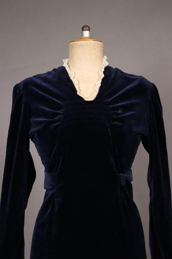 1940's Blue Velvet Winter Dress - Size S/M - image 4