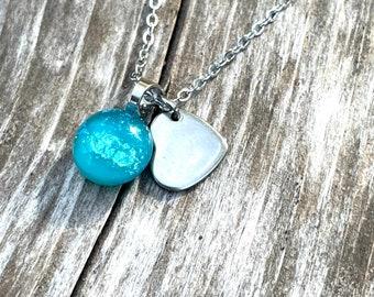 MINIMALIST turquoise green aqua heart
