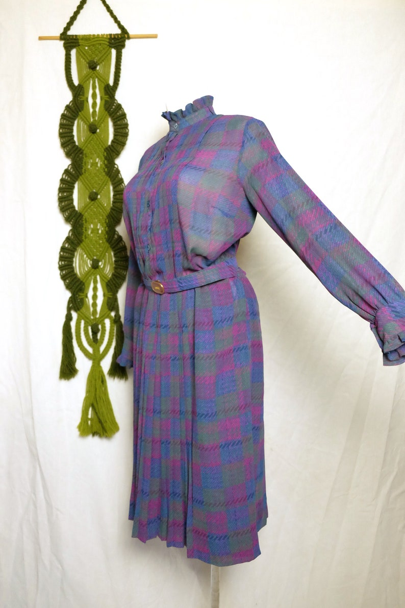 70s dress 70s Vintage Vibrant Chess Print Dress Long sleeve Casual Prairie Retro Belted dress Car buckle large Size L Bust 42