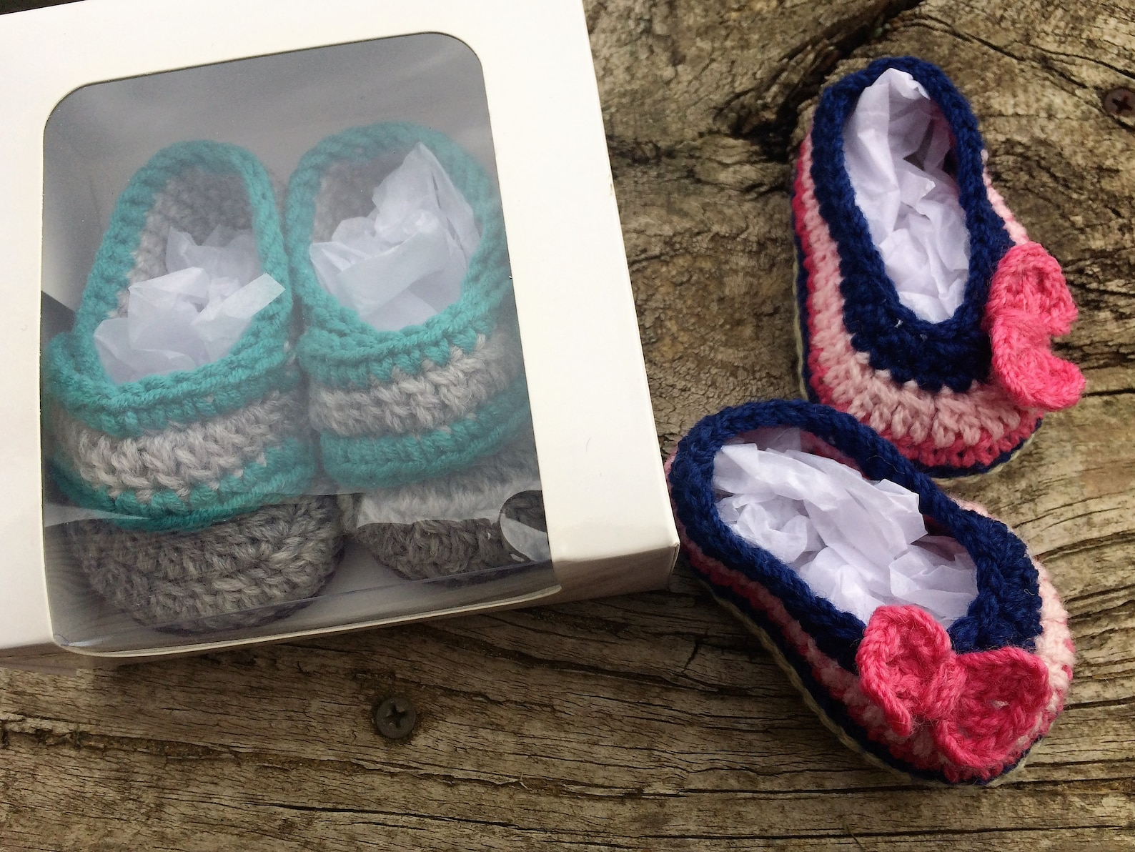 baby booties. crocheted baby shoes in gift box. baby loafers or baby ballet flats with bow for newborn to 3 months old. baby sho