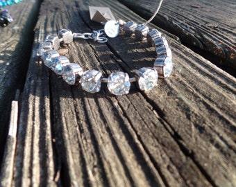 Swarovski Crystal  Bracelet, Swarovski Moonlight stone color, antique silver Bracelet, Customizable Bridal Jewelry, Bridesmaids Gifts