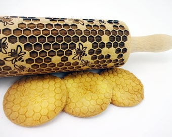 HONEYCOMB Embossing Rolling pin. Laser cut rolling pin for embossed cookies with bees pattern for homemade cookies