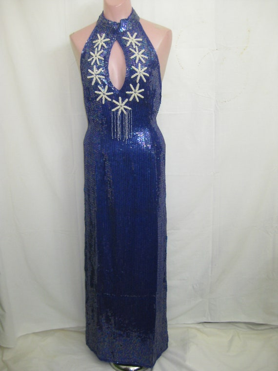 Blue/white gown#408