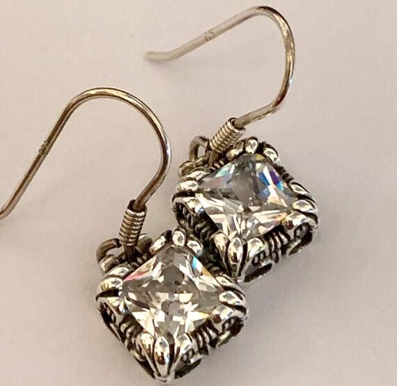 Silpada Uptown Earrings. Sterling Silver Earrings.