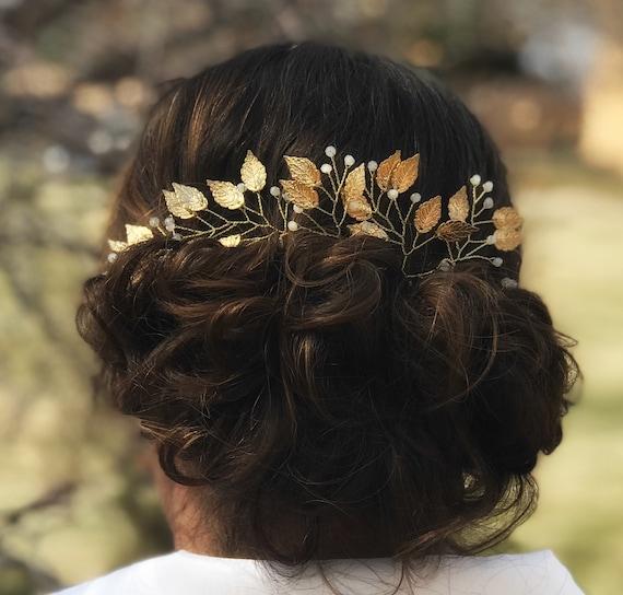 Gold bridal leaf hair pins Gold wedding hair pins Bridal hair pins decorated leaves and flowers Gold leaf headpiece Gold leaf hair comb
