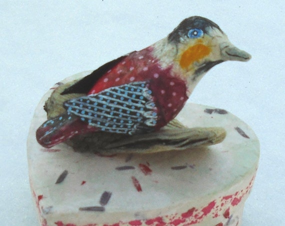 Folk Art Red Bird Heart Box (4 inches)