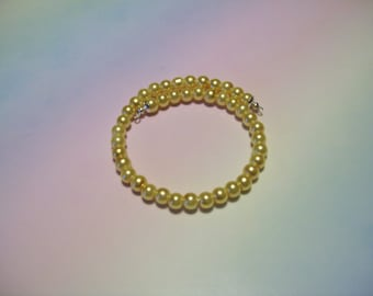 MW-76 - Single Wrap Glass Pearl Beaded Memory Wire Bracelet in Choice of Gold, Green, Red, or White.