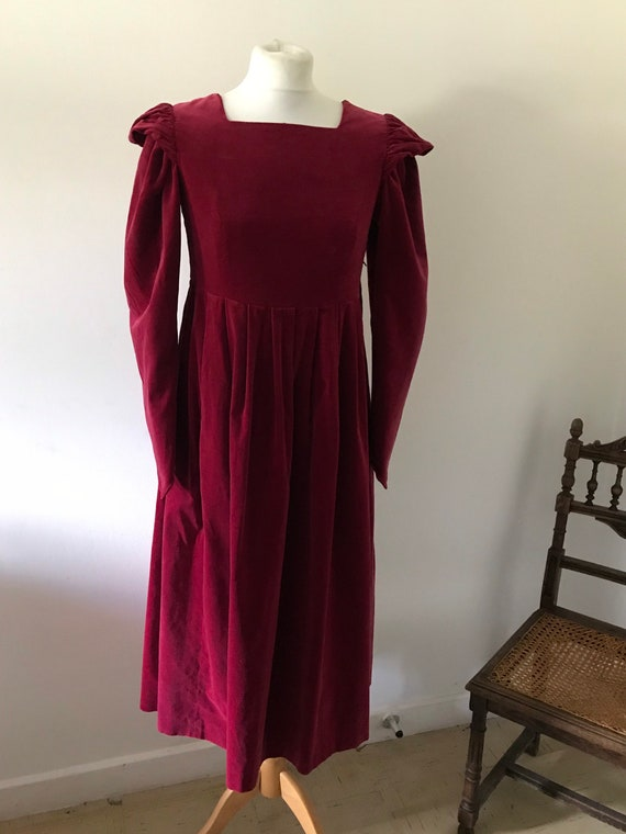 Laura Ashley vintage 80s deep pink raspberry red v