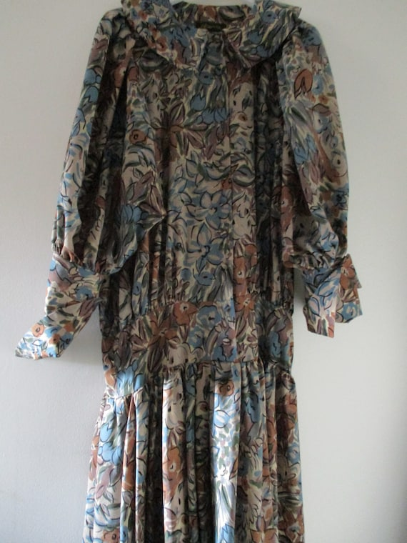 Droopy and Brown vintage 80s long sleeve dress mut