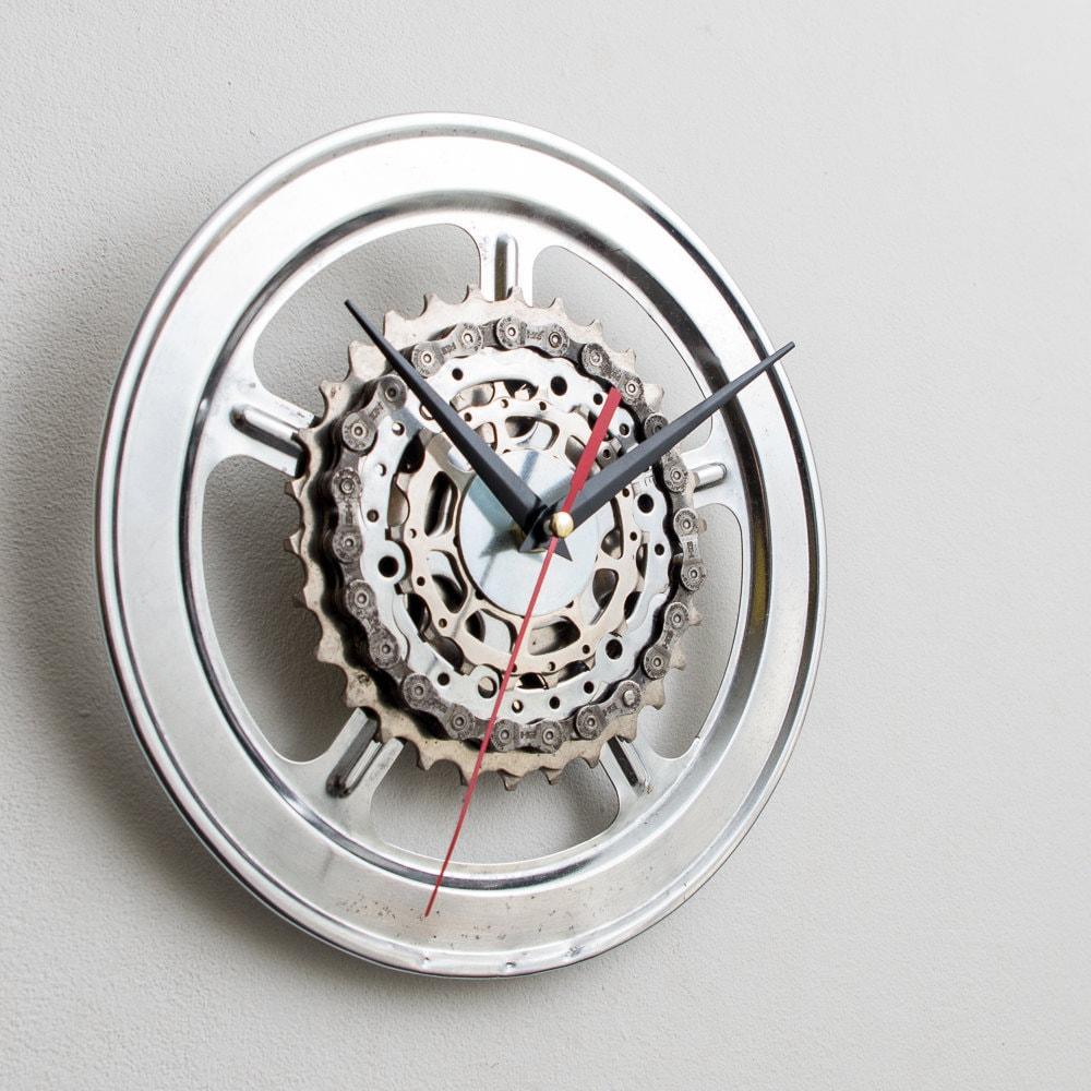 Horloge murale en m tal horloge murale cycliste v lo etsy for Horloge murale en metal