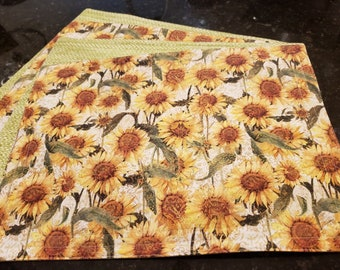 Fabric Placemats/Washable/Reversible-Sunflowers n' Green