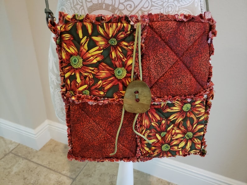 Sew Cute BagRed/Burnt Orange Daisy & Red Rag Quilt Cross image 0