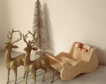 wooden christmas sleigh