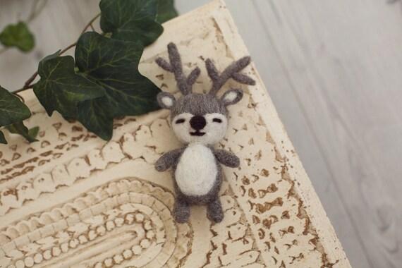 75b7aef725c9 Feutrée bébé cerf Bonnet, chapeau de bébé, nouveau-né Bonnet, des  accessoires de photographie nouveau-né renne feutré